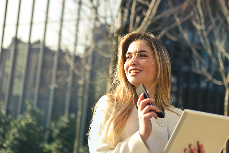 beautiful businesswoman caucasian 864994 - Women CEOs in Fortune 500 companies